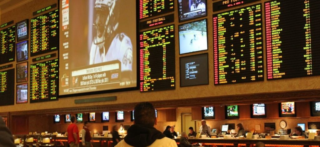 Picking bets using the sports betting community